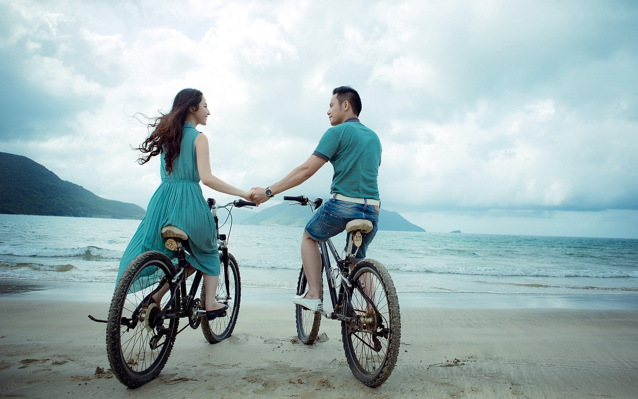 12 Tips On How To Get A Guy To Like You Again Getting a partner who loves you the way you love him or even more than how you love him is every woman's desire and wish. They say love is a beautiful thing. Yes, it is beautiful especially when the people involved are fully committed to the relationship and the standards they set for their relationship.